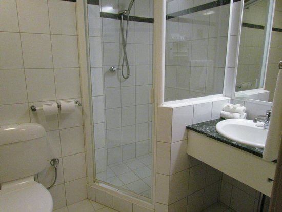 Holiday Inn Perth City Centre: salle de bain