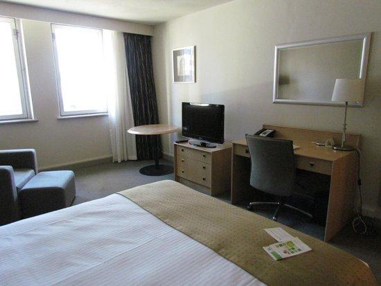 Holiday Inn Perth City Centre: chambre standard