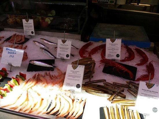 Mercado San Miguel: Exceptionally fresh seafood!