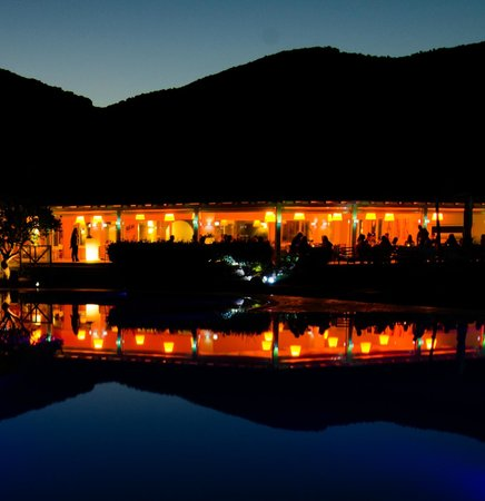 Chia Laguna - Hotel Village: Restaurant and pool