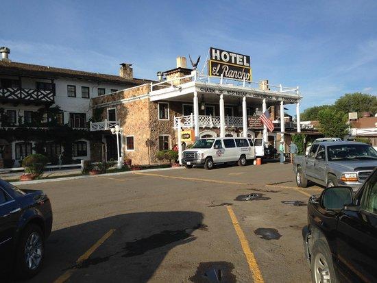 El Rancho Hotel & Motel: El Rancho.