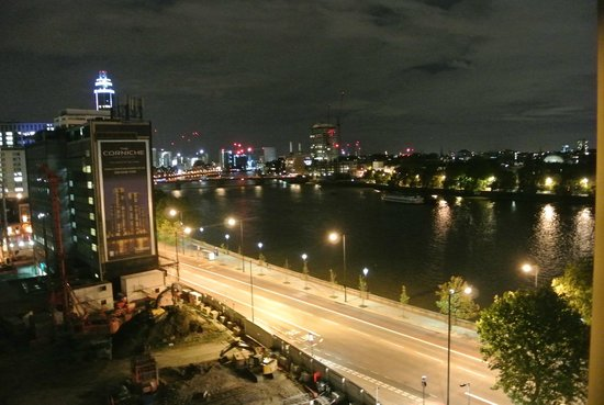 Plaza on the River - Club and Residence: Night view from room 851 (1-bedroom suite with restricted view)