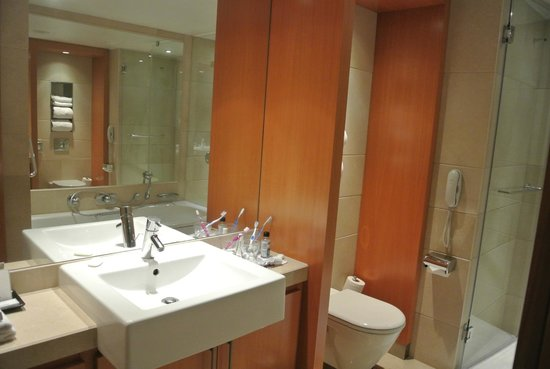 Plaza on the River - Club and Residence : Bathroom (1-bedroom suite)