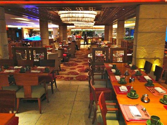 Kowloon Shangri-La Hong Kong: Breakfast place
