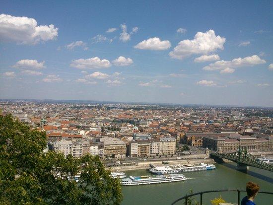 Citadel: Vista a metà della salita per Cittadella