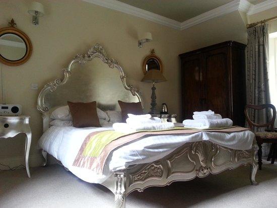 Eshott Hall: Lily Room in the Grange