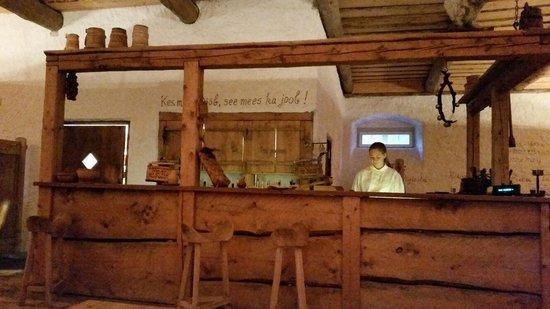 Palmse Korts: The bar