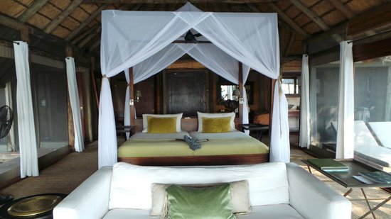 Wilderness Safaris Kings Pool Camp: Room