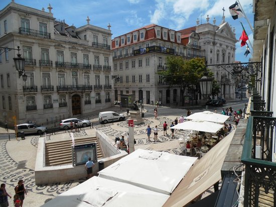Hotel Borges Chiado : Right view from the room, 2nd floor
