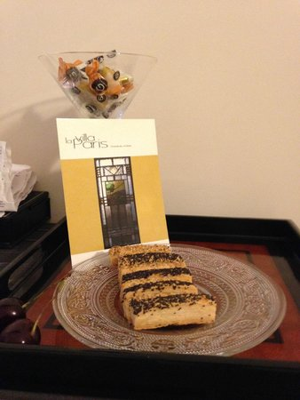 La Villa Paris : The surprise Marie left in our room
