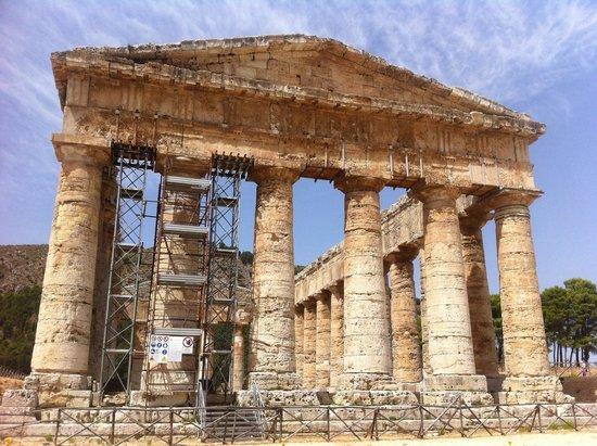 Tempio di Segesta (Tempio Influenza Greca): Tempio greco davvero suggestivo