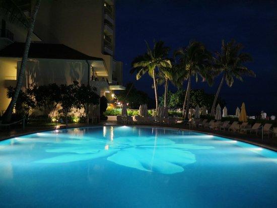 Halekulani Hotel: Pool