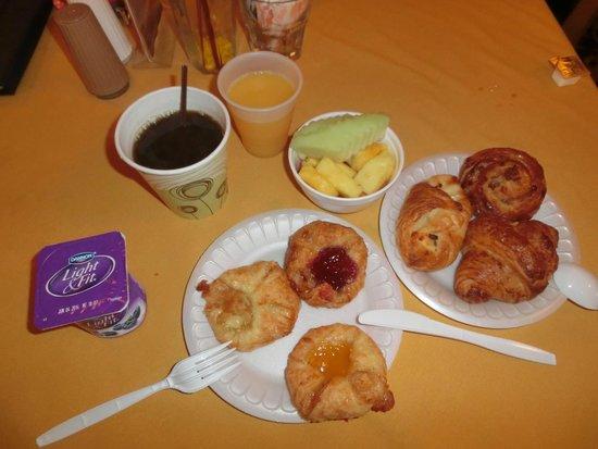 Salisbury Hotel : ホテルでの朝食