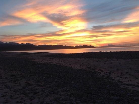 Dinadiawan Beach: Sunrise
