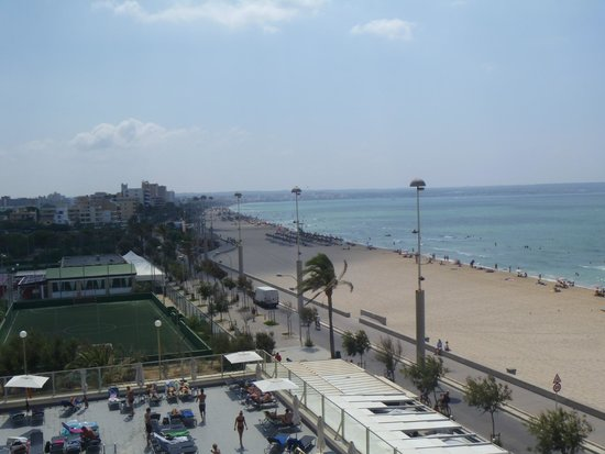 Aparthotel Fontanellas Playa: View from room