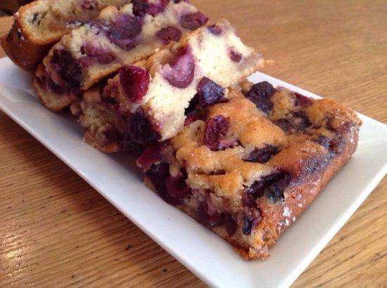 Tiffin: Fresh Cherry cake