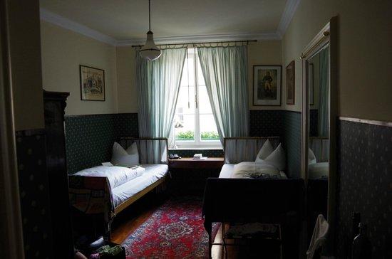 Hotel Orphée Kleines Haus: Unser kleines, aber feines Zimmer