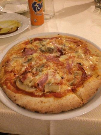 Ristorante Fuoro: Funghi pizza