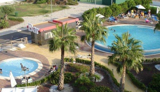 Hotel Spa Torre Pacheco: Zona de piscinas exteriores - Outdoor poool area