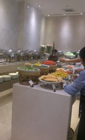 Centre Point Hotel Chidlom: 朝食