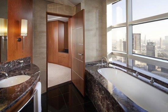 Jumeirah Emirates Towers Club Suite Bathroom