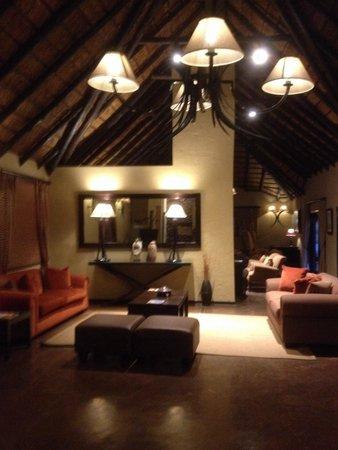 Mabula Game Lodge: Salon