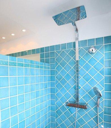 Esmeralda Resort : Esmeralda Bathroom Rain Shower