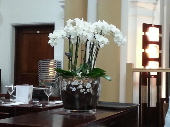 Royal Baths Chinese Restaurant: Stylish decor