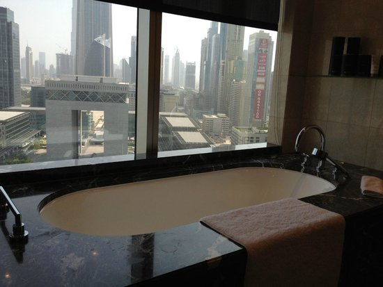 Jumeirah Emirates Towers: a stunning view from bathroom