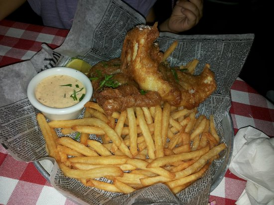 P.J. Clarke's : Excelente fish and chips