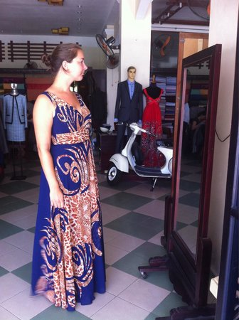 To To Boutique: Beautiful dress and suit