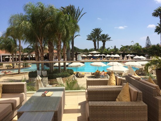 Olympic Lagoon Resort: Cinnamon Bar