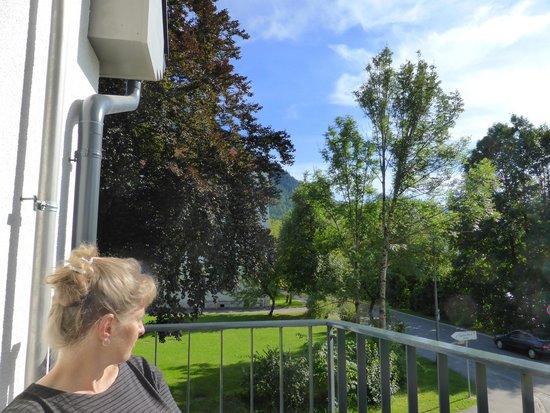 Hotel Villa Ludwig: Balkon van kamer 204(voorzijde hotel)