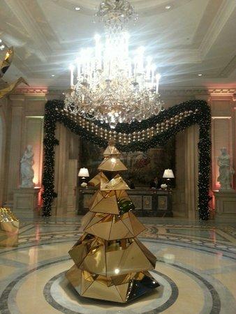 Four Seasons Hotel George V Paris: Noël 2013!