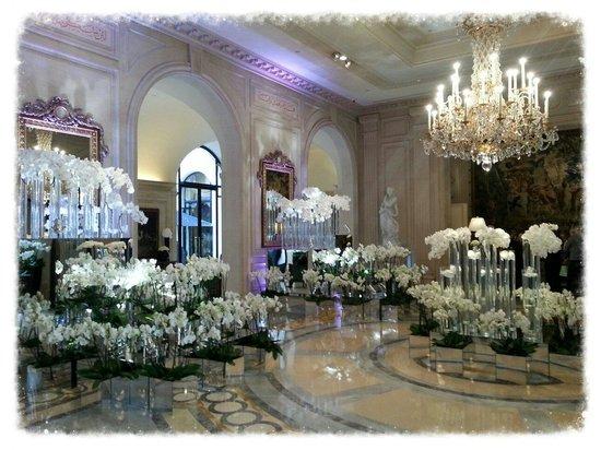 Four Seasons Hotel George V : L'entrée novembre 2013!