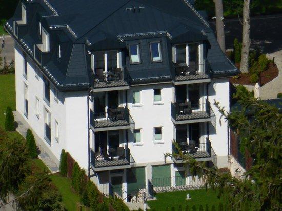 Hotel Villa Ludwig: Gefotografeerd vanuit het kasteel Neuschwanstein/Photograph taken from the castle Neuschwanstein