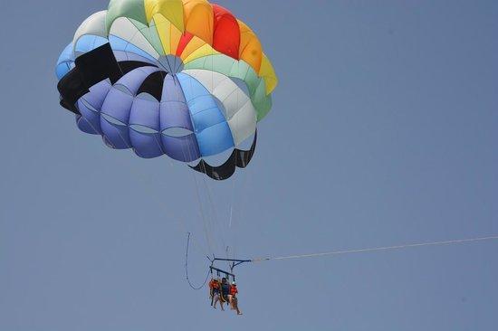 SENTIDO Djerba Beach: parachute