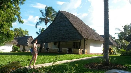 Karafuu Beach Resort and Spa : Bungalow