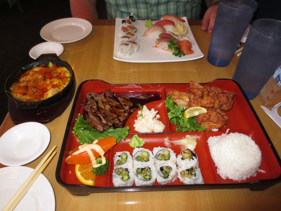 Tora Sushi Lounge: Our plates of real good food