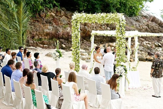 Four Seasons Resort Koh Samui Thailand : Our wedding, it was beautifully setup at the private beach cove