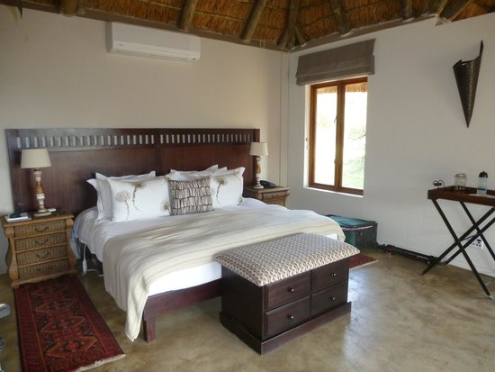 Bukela Game Lodge: Room 1