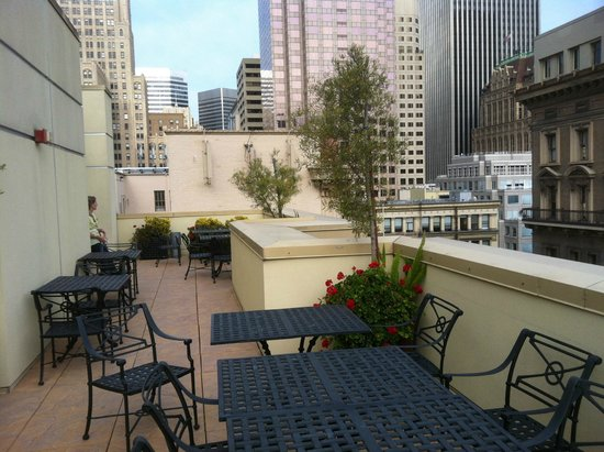 Orchard Garden Hotel: Roof Top area
