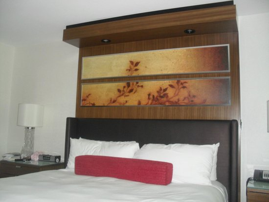 The Mirage Hotel & Casino: Comfy bed