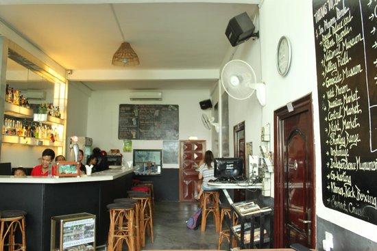 Me Mates Villa : Lounge Area