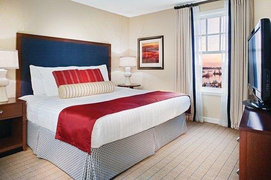 Wyndham Long Wharf Resort : Suite Bedroom