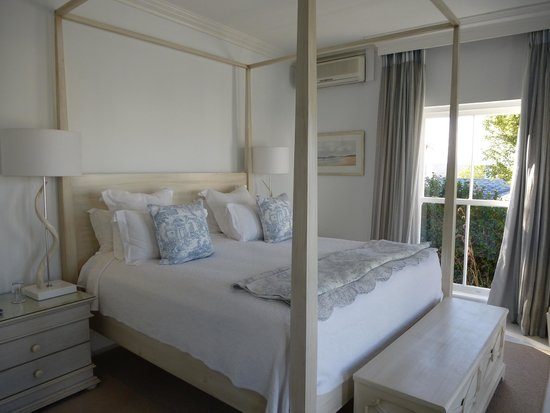 The Plettenberg Hotel: Beach Villa master bedroom