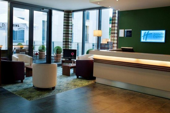Holiday Inn Express Baden-Baden: have a break in the hotel lounge or at the bar