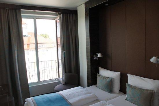 Motel One Dresden am Zwinger: Zimmer