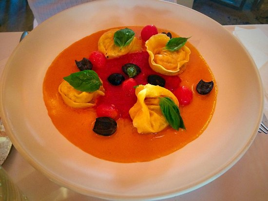 Giusto: Tortelli with lobster cream sauce