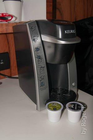 Hôtel ALT Montréal : Keurig coffee maker